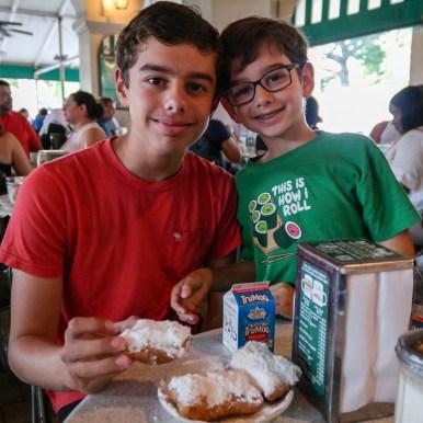 Cafe Du Monde New Orleans Louisiana #nolawithkids #cafedumonde #familytravel