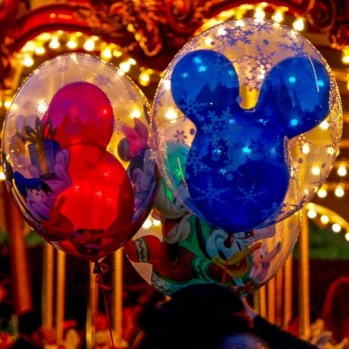 Christmas Disneyland California #disneylandballoons