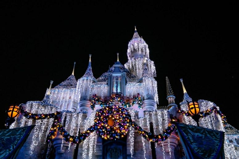 Christmas Disneyland California #sleepingbeautycastle