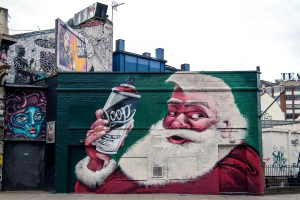Things to do in London at Christmas time #londonstreetart