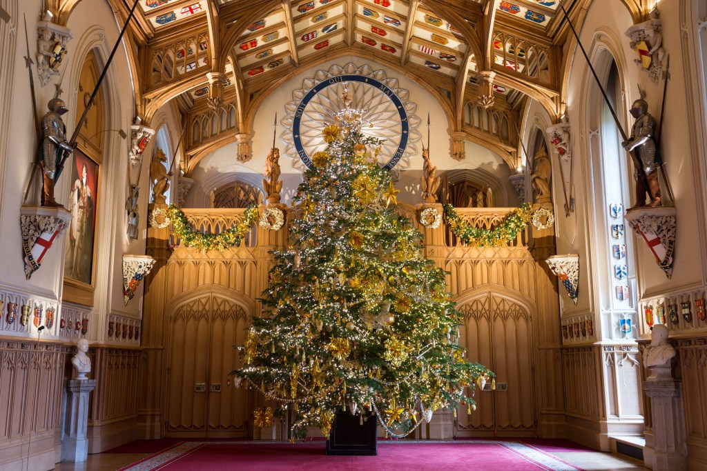Things to do in London at Christmas Time #londonchristmas #windsorcastle