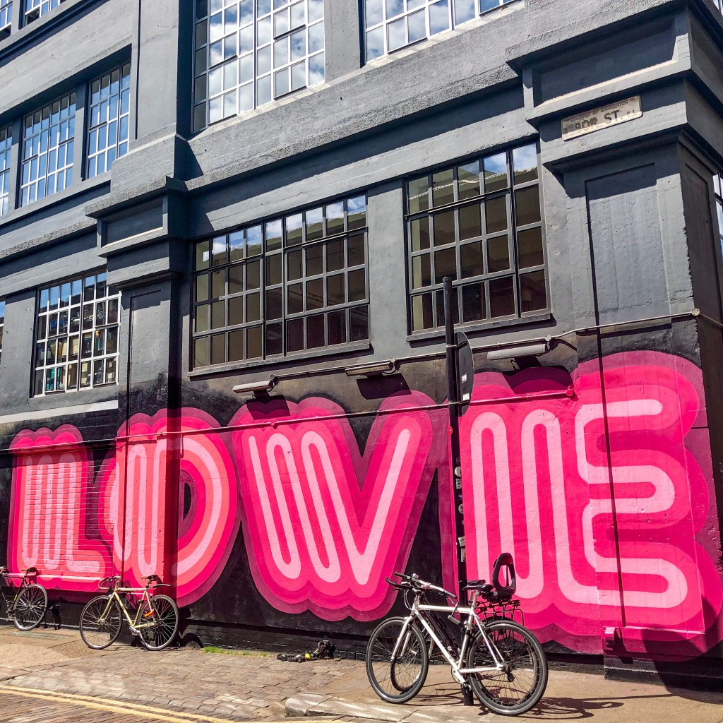 #einesigns #shoreditchlondon #londonstreetart #love
