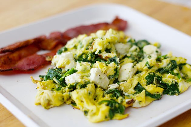 Low Carb Spinach and Eggs (Beeah ooh Spanakh)