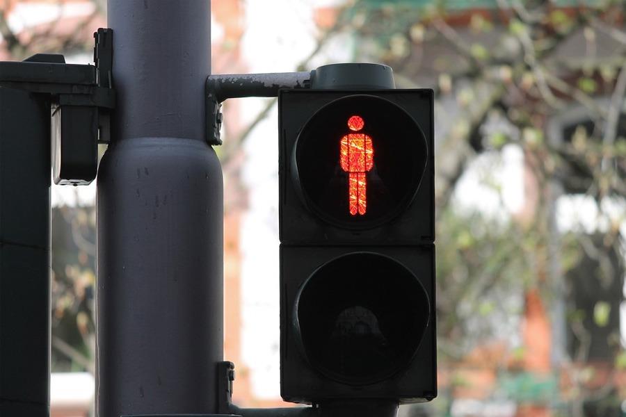"Kurt-Schumacher-Straße erhält ""Dunkelampel"""