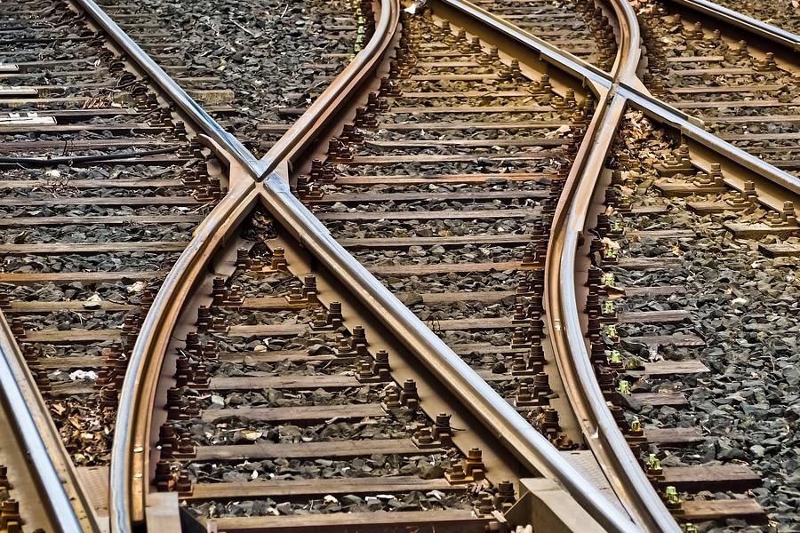Lynack: Rahmenverträge zur Reaktivierung und zum Neubau von Bahnstationen vom Verkehrsminister unterzeichnet – Station Hildesheim-Himmelsthür ist dabei!