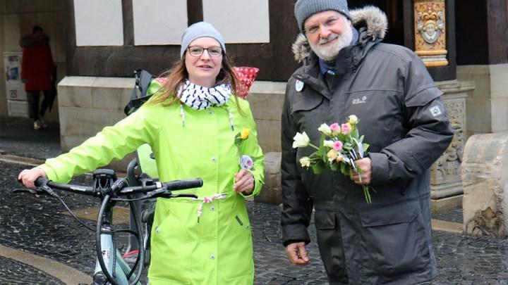 Flower Power! Stadt setzt Zeichen für Frauenrechte