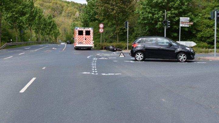 Kollision zwischen Pkw und Krad – Kradfahrer verletzt