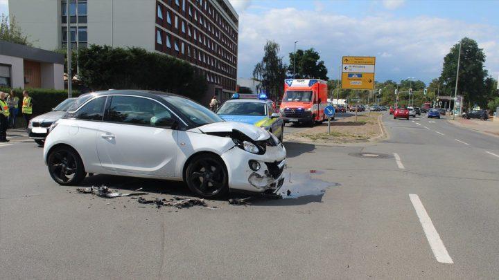 Vorfahrtmissachtung fordert zwei Leichtverletzte