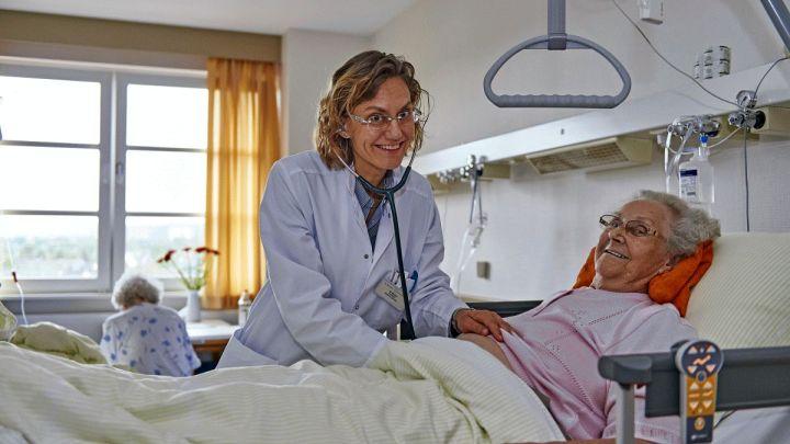Klinik für Geriatrie am St. Bernward Krankenhaus jetzt Mitglied im Bundesverband Geriatrie e.V.