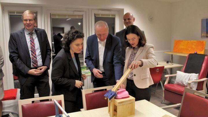 Sozialministerin besucht Diakonie Himmelsthür