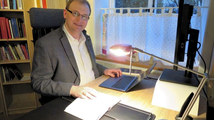 Pastor Robert Brühl tritt seine erste Pfarrstelle in Söhlde an