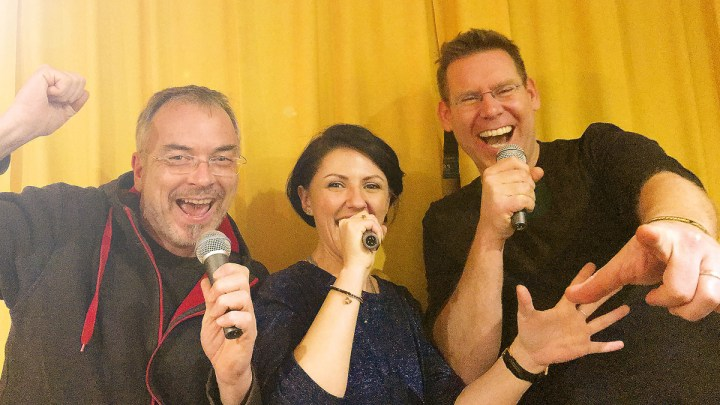 All Together Now! – Rudelsingen zu Pfingsten live auf dem Volksfestplatz