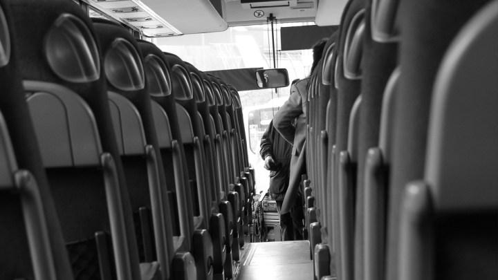 Lynack fordert kostenfreie Busfahrt zum Impfzentrum