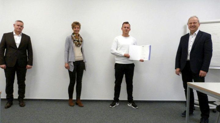 IHK gratuliert Landesbesten – Sebastian Drews erzielt hervorragenden Abschluss