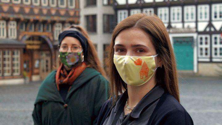 Tourist-Information bietet Mund-Nasen-Bedeckungen mit Stadtmotiven an
