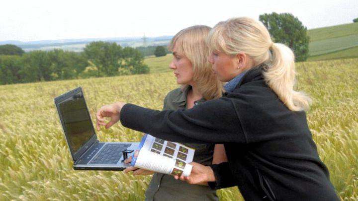 """Unsichtbare Arbeit der """"Frauen in der Landwirtschaft"""""""
