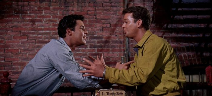 ... de la cuna a la tumba, Tony y Riff