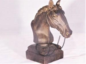 Skulpturer/Figuriner Häst