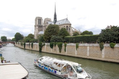 Bateau Mouche in front of Notre Dame