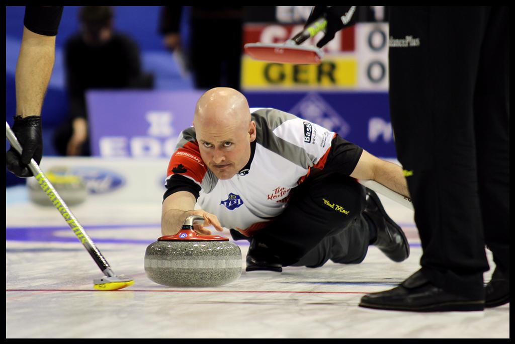 KevinKoe2016_World_Men's_Curling_Championship_border