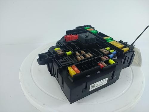 small resolution of product description rear fuse box 9315151