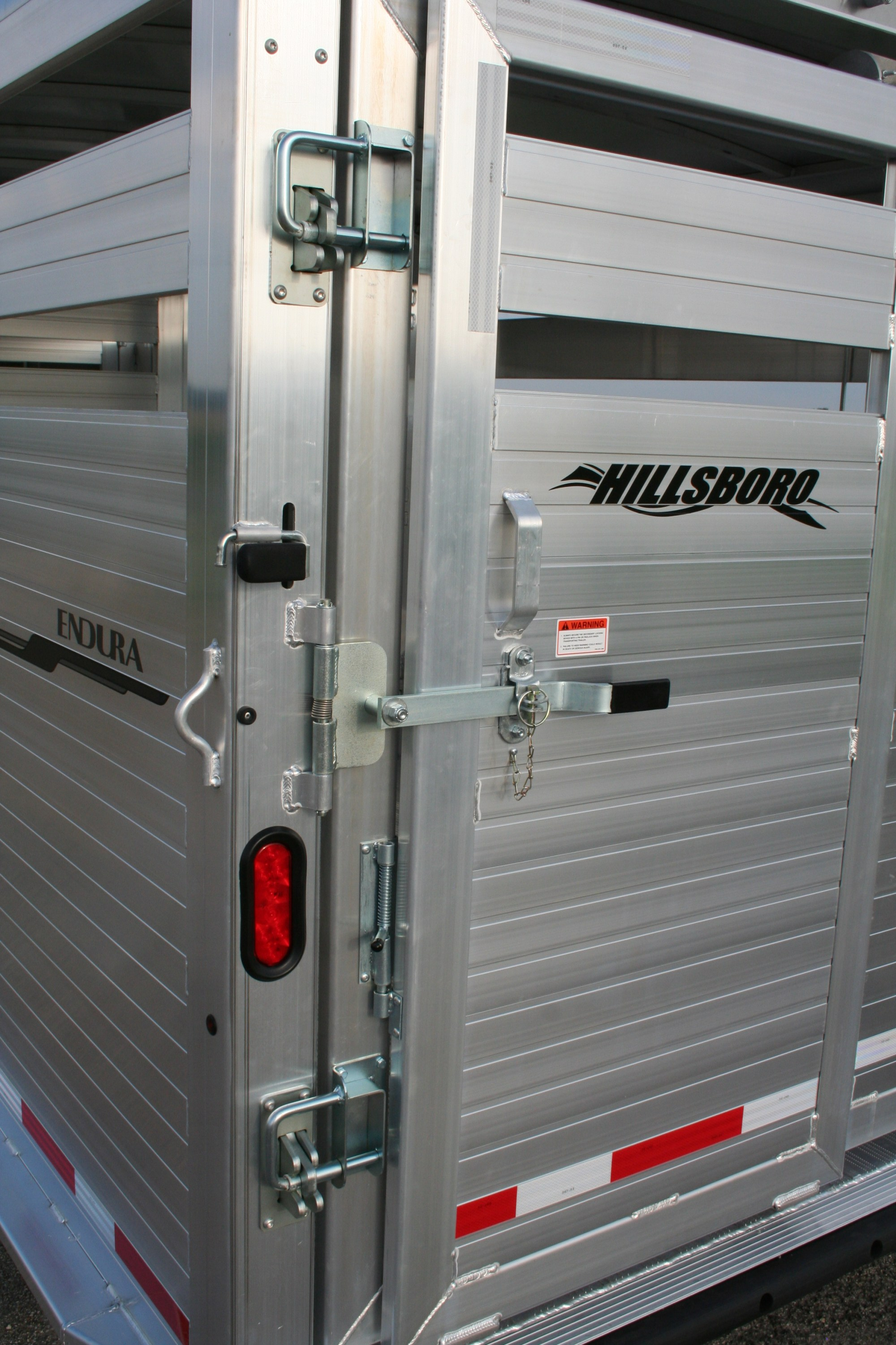 hight resolution of hillsboro industries endura aluminum livestock trailer standard endura rear posilatch and secondary latch