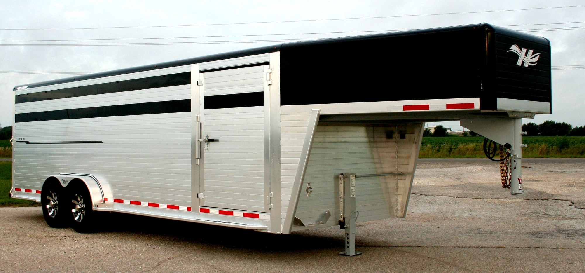 hight resolution of shown with optional painted roof cove nose painted black contact your local dealer for pricing hillsboro industries endura aluminum livestock trailer