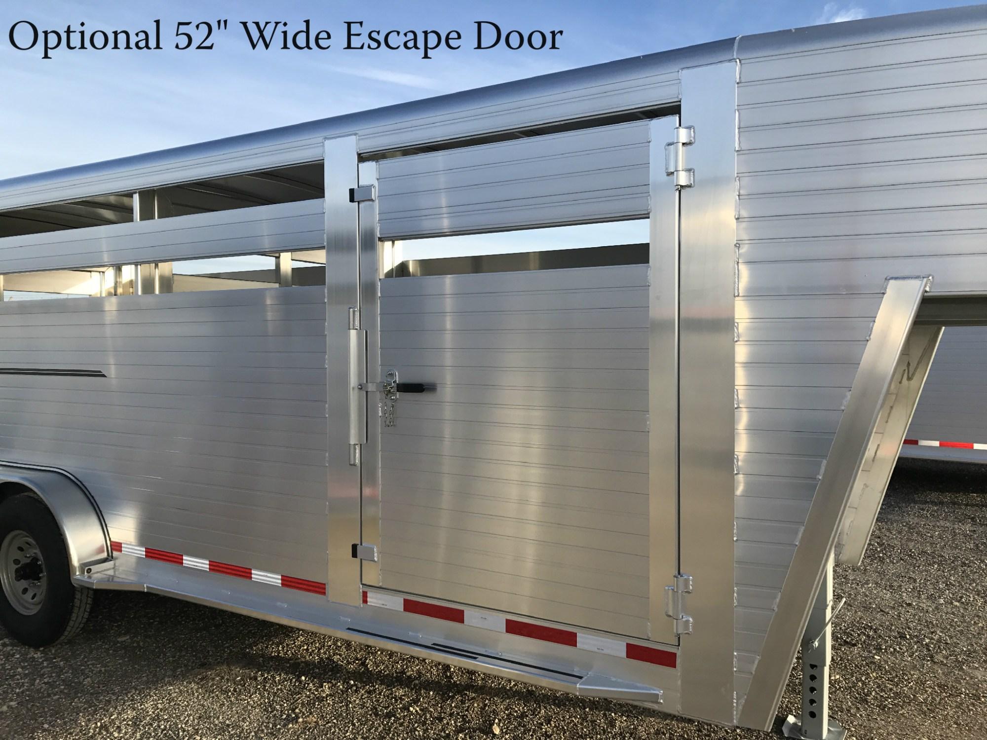 hight resolution of livestock trailer