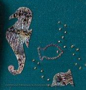 coral reef seahorse using papa shell