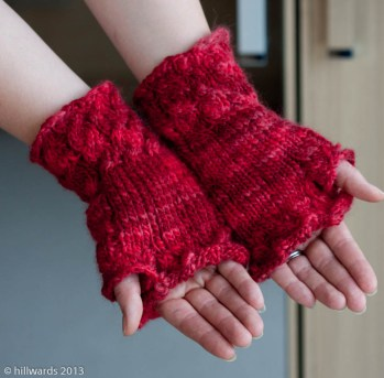 Fetching fingerless mitts in Debbie Bliss Soho wool