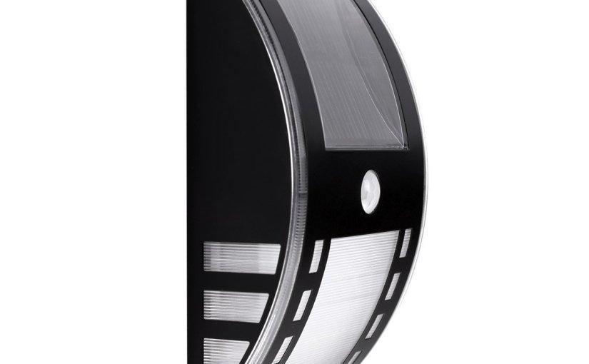 Lampara LED solar con detector de movimiento al 54 % de descuento