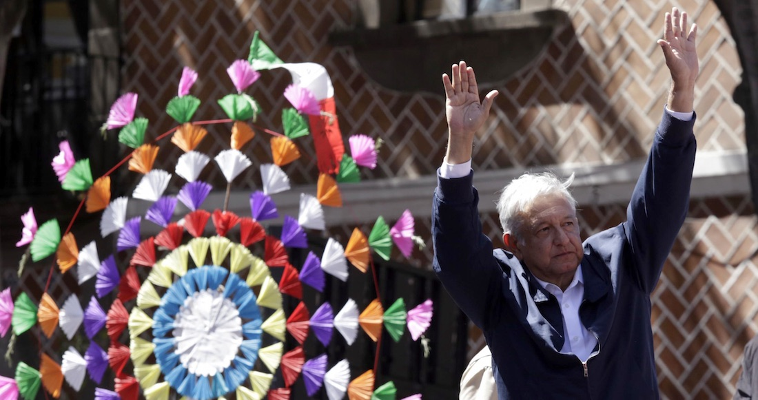 """Ya salió toda la maleantada"" a defender a Yunes, revira AMLO"