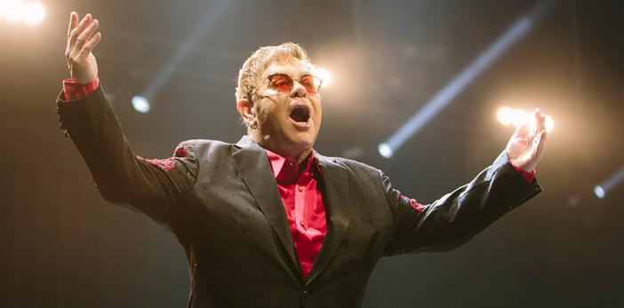 Los 70 de Elton John: siete canciones que definieron su carrera (VIDEOS)