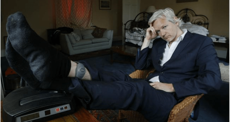 Assange padece régimen carcelario en embajada ecuatoriana