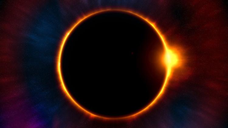 Atrae la atención el gran eclipse solar americano (VIDEO)
