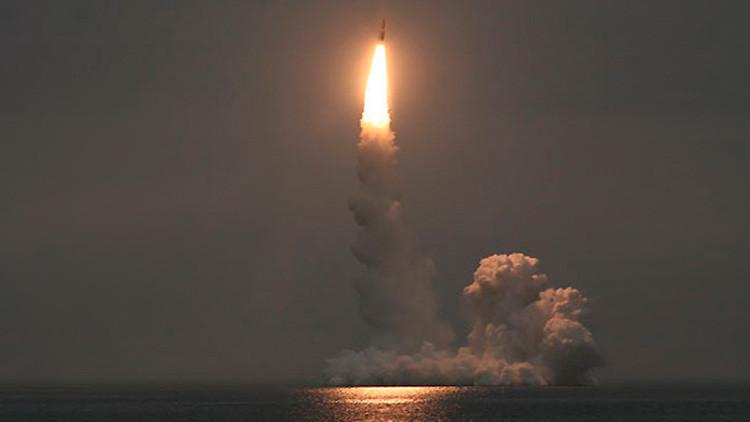 Rusia lanza misil balístico intercontinental desde submarino