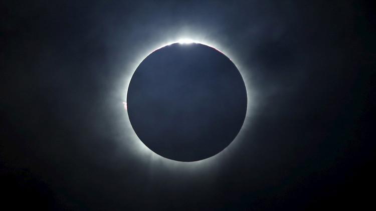 El eclipse americano atrae los ojos del mundo (EN VIVO)