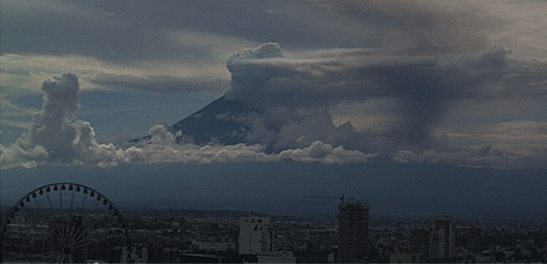 Y ahora el #Popocatépetl entra en erupción (VIDEO)