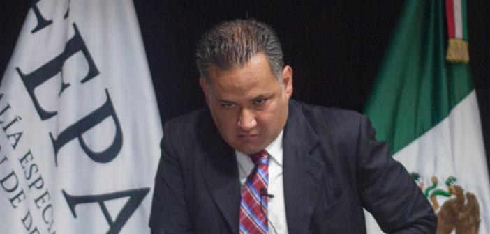 """""""Soy un hombre de leyes, acudiré al Senado"""", advierte Santiago Nieto"""