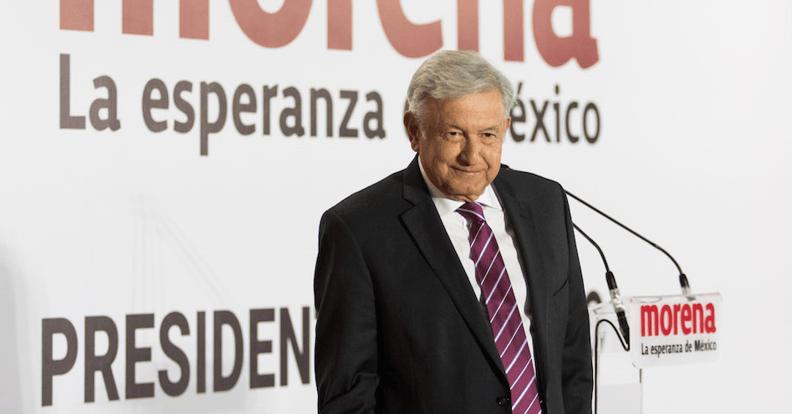 López Obrador presenta su gabinete: 8 hombres y 8 mujeres
