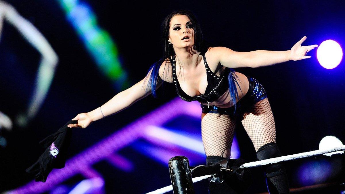 La patada voladora que sacó a Paige de la lucha libre (VIDEO)