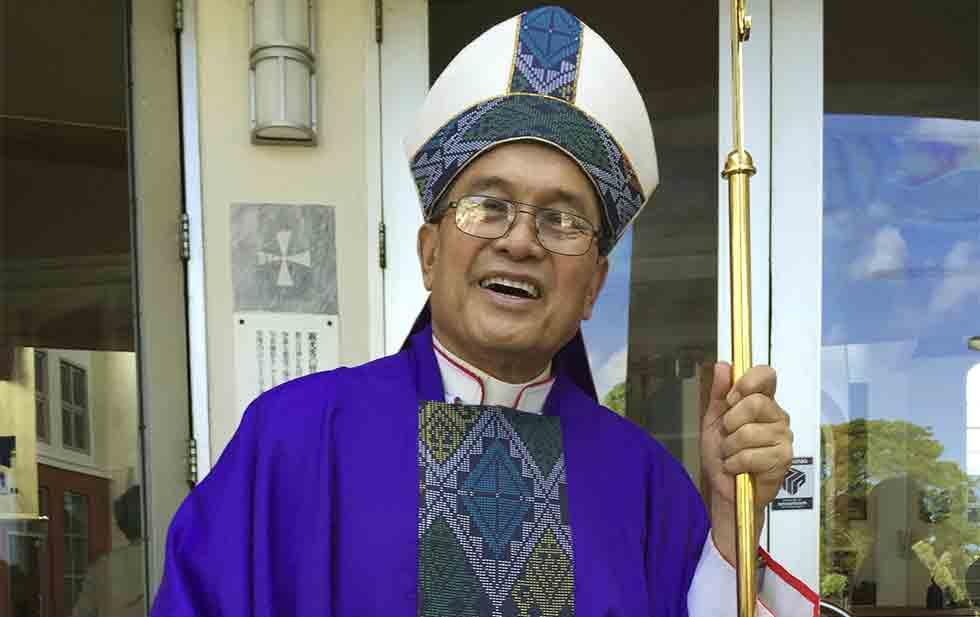 El Vaticano destituye a arzobispo pederasta