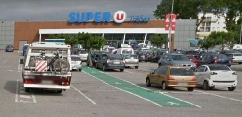 Atacan supermercado en Francia: 3 muertos y 12 heridos