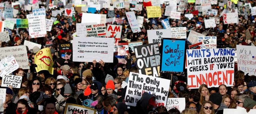 Marchan miles por control de armas en EU