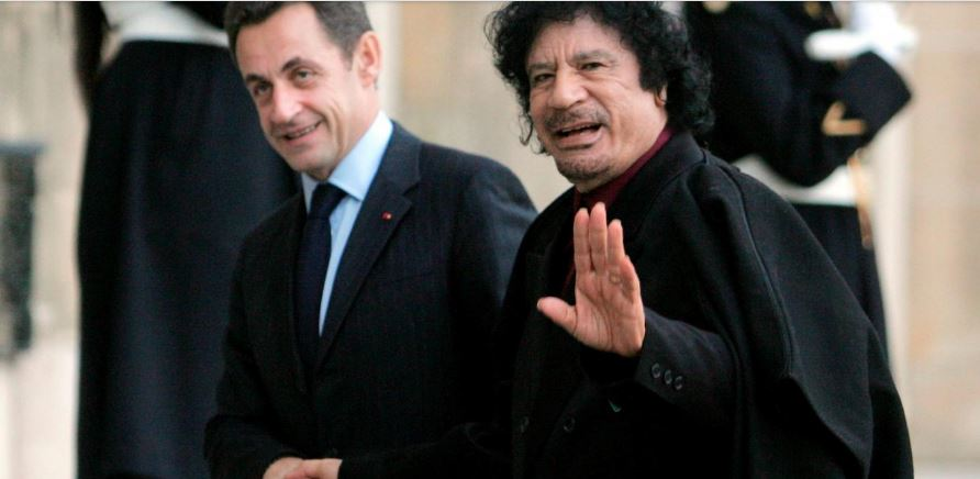 Detienen a Sarkozy por financiamiento ilegal