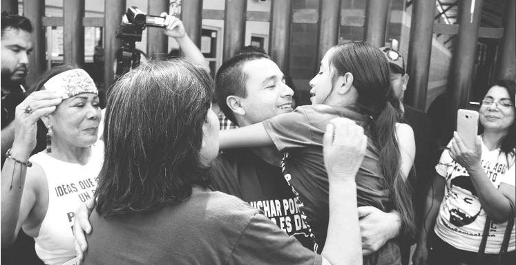 Tras 20 días en prisión, liberan a León Fierro, dirigente de Mexicali Resiste