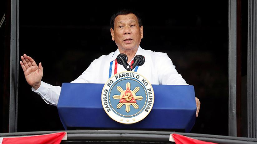 """Duterte llama """"estúpido"""" al dios del Génesis"""