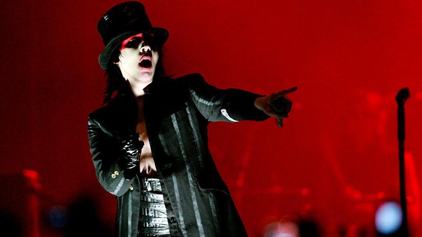 Marilyn Manson se desploma durante un concierto en Houston (VIDEO)