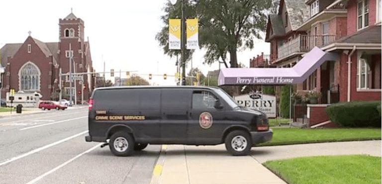 Hallan 63 fetos en funeraria de Detroit