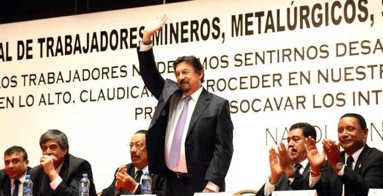 Gómez Urrutia se lanza contra las mineras canadienses